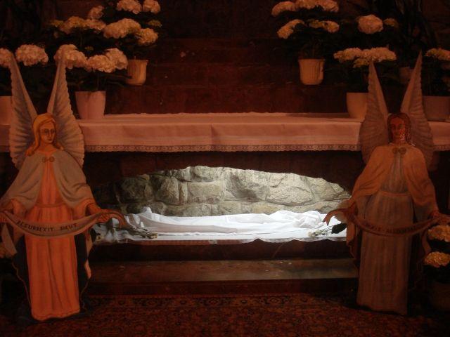 Hrob na Bielu Sobotu